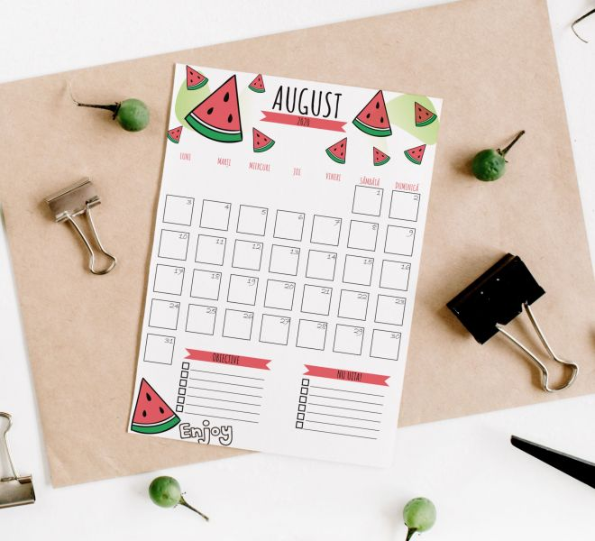 calendar august + mockup